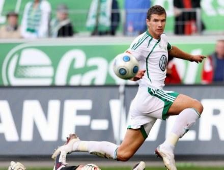 Edin Dżeko strzelił jednego z goli dla Wolfsburga /AFP