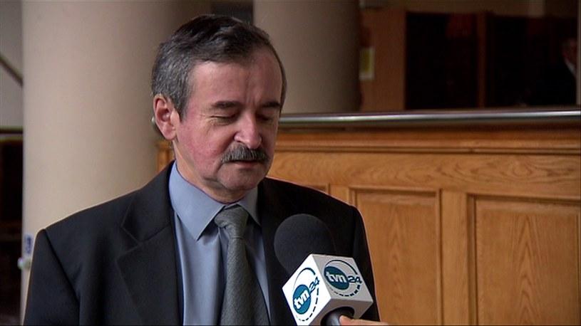 Edward Łojek z zespołu Macieja Laska /TVN24/x-news