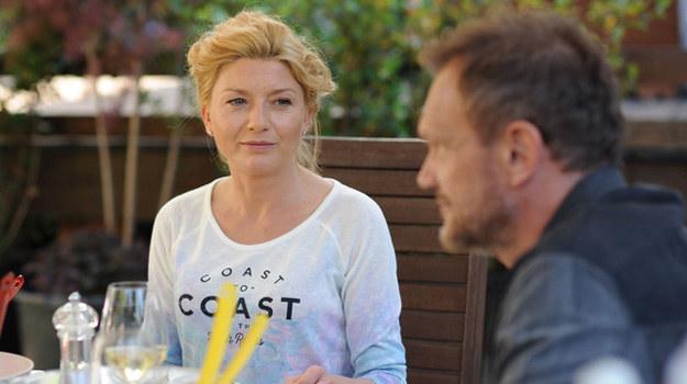 """Edyta Olszówka jako Joanna w serialu """"Aż po sufit"""" będzie naturalna i życiowa. Nie ma wątpliwości, że może stać się bardzo bliska kobiecej części widowni /Agencja W. Impact"""