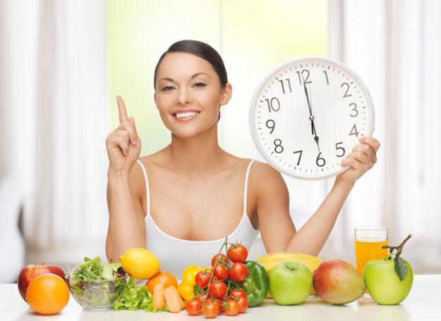 Efekty diety są zaskakujące, obniża się nie tylko masa ciała, ale również poziom cholesterolu /©123RF/PICSEL