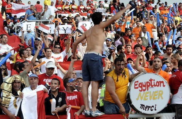 Egipscy kibice nie obejrzą szlagierowego meczu z Brazylią. Spotkanie zostało odwołane /AFP