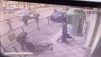 Egipscy policjanci złapali 3-latka, który wypadł z balkonu na drugim piętrze