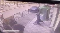Egipscy policjanci złapali 3-latka, który wypadł z balkonu na II piętrze