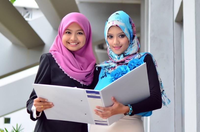 Egipska tradycja umiarkowanego islamu uznawała prawa kobiet i zachęcała je do podejmowania edukacji i pracy /123RF/PICSEL