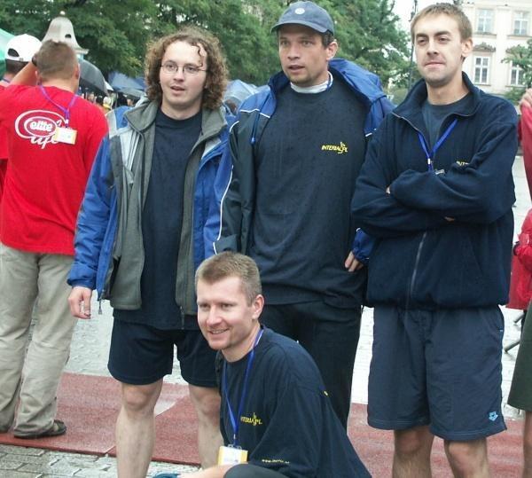 Ekipa INTERIA.PL. Od lewej Krawczyk, Tomasz Rożdżyński (kuca), Potocki oraz Jankowski /INTERIA.PL