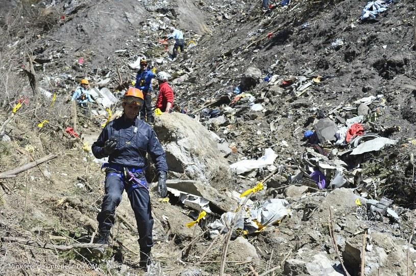 Ekipa poszukiwawcza na miejscu katastrofy airbusa /FRANCIS PELLIER/DICOM/MINISTERE INTERIEUR/HO /PAP/EPA