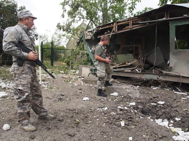 Ekipa znalazła się pod ostrzałem pod Ługańskiem (zdj. ilustracyjne) /IGOR GOLOVNIOV /PAP/EPA