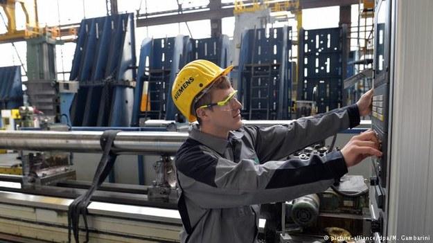 Eksperci przewidują na 2018 rok setki tysięcy nowych miejsc pracy w Niemczech /Deutsche Welle