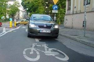 Ekspert: Rowerzyści i piesi są O.K. Samochodziarze to egoiści