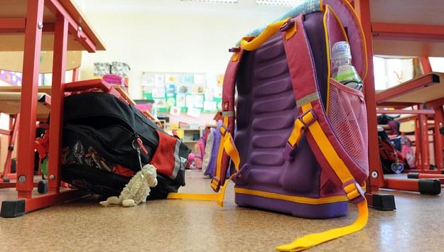 Ekspert: Warto patrzeć dzieciom na ręce - wyprawka szkolna to nie tylko plecak
