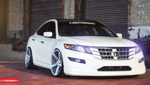 Ekstremalny tuning Hondy Accord Crosstour. Ale felgi!