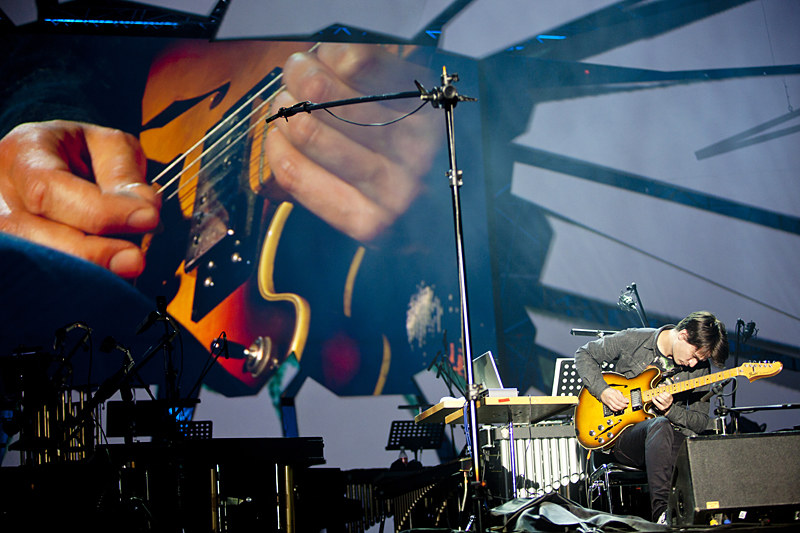 """""""Electric Counterpoint"""" zagrał Jonny Greenwood  /Tomasz Wiech /materiały prasowe"""