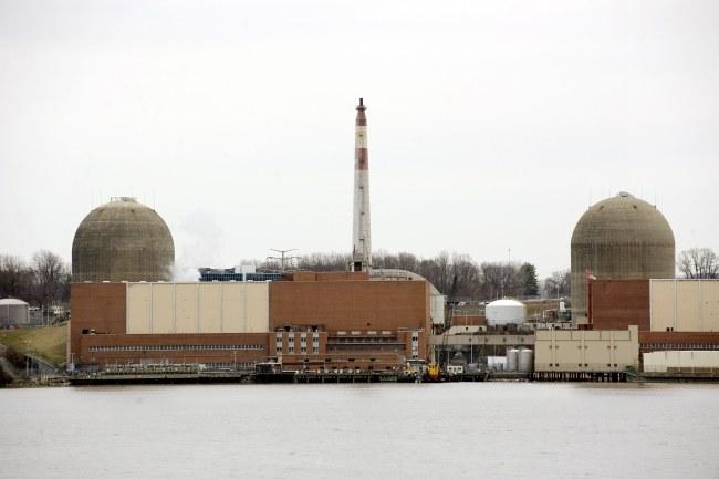 Elektrownia jest oddalona od Nowego Jorku o zaledwie 65 kilometrów /JUSTIN LANE /PAP/EPA