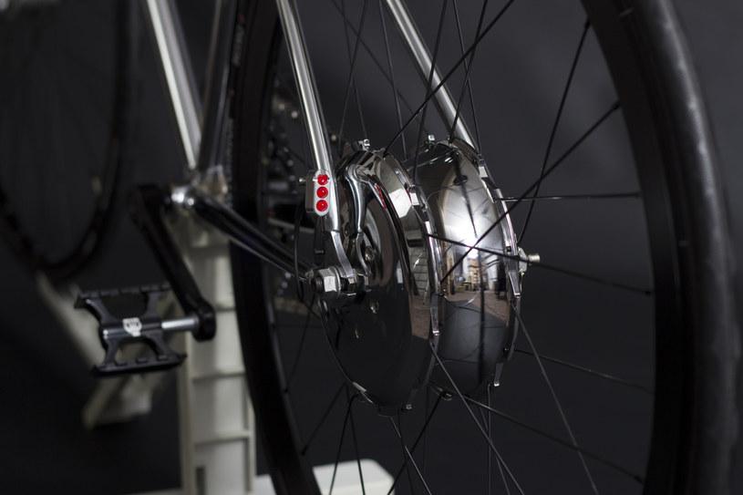 Elektryczny silnik Zehus wspomaga kolarza podczas jazdy /materiały prasowe