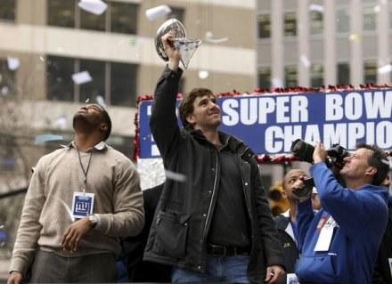 Eli Manning na paradzie po wygraniu Super Bowl /AFP