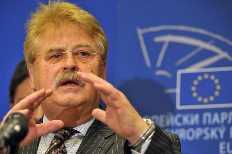 """Elmar Brok: """"Turcja zmierza w złym kierunku i oddala się od Europy"""" /AFP"""