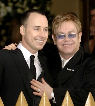 Elton John i David Furnish /AFP