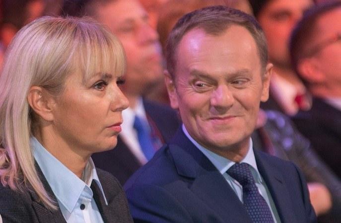 Elżbieta Bieńkowska i Donald Tusk /Andrzej Iwańczuk /Reporter