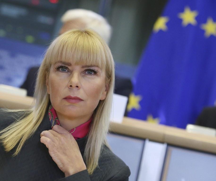 Elżbieta Bieńkowska podczas przesłuchania w Brukseli /OLIVIER HOSLET /PAP/EPA