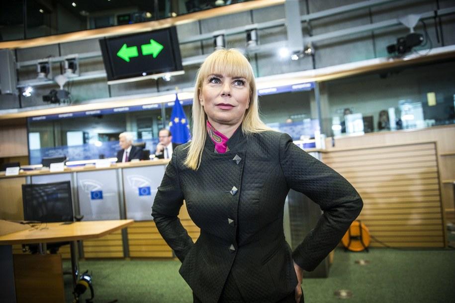 Elżbieta Bieńkowska podczas przesłuchania w Parlamencie Europejskim /Wiktor Dabkowski    /PAP