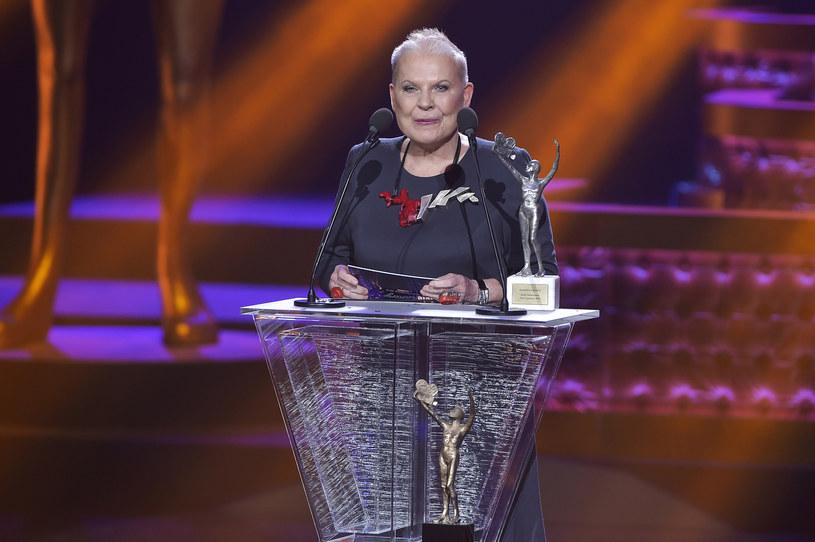Elżbieta Dzikowska w 2016 roku wręczała Telekamerę Tele Tygodnia /AKPA