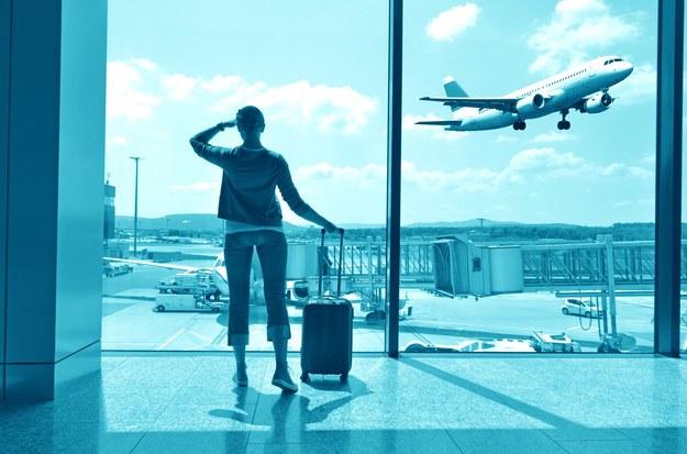 Emigracja wbrew politycznym zapowiedziom szybko się nie skończy /123RF/PICSEL
