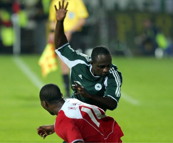 Emmanuel Olisadebe jest rozczarowany swoją sytuacją w Panathinaikosie Ateny /AFP