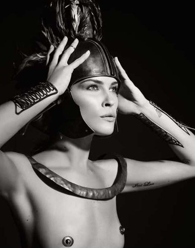 Erin Wasson jako Ajaks. Fot. Karl Lagerfeld /