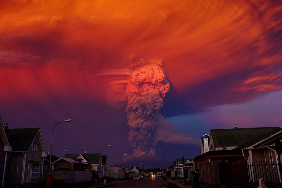Erupcja wulkanu Calbuco /ALEX VIDAL BRECAS /PAP/EPA