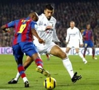 Eto'o mija Samuela. Barcelona-Real 3:0 /AFP