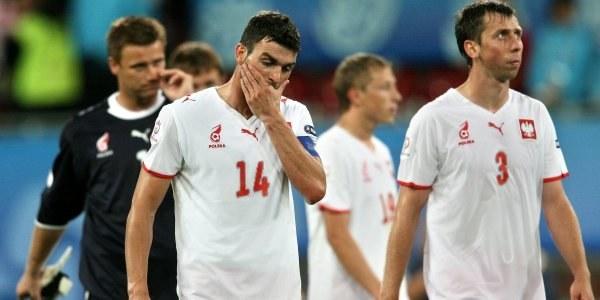 Euro 2008 zakończyło się dla polskich piłkarzy po fazie grupowej /AFP