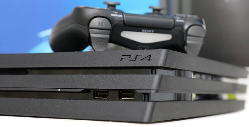 Europejscy użytkownicy konsoli Sony w kwietniu najchętniej kupowali grę z serii FIFA /123RF/PICSEL