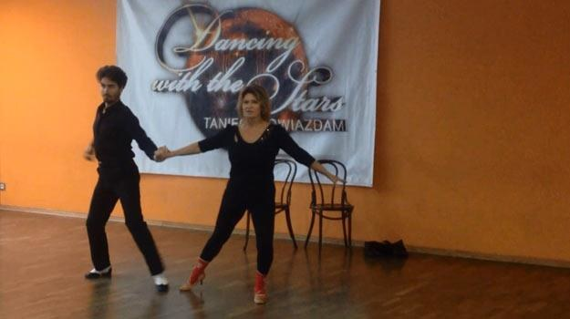 Ewa Kasprzyk podczas przygotowań do tanecznego debiutu na parkiecie Polsatu /Polsat