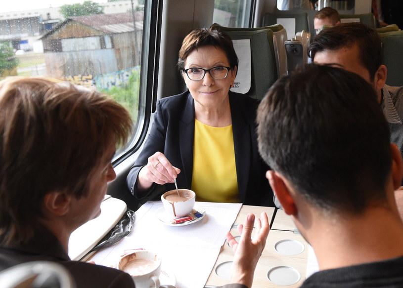 Ewa Kopacz w drodze na Dolny Śląsk /Radek Pietruszka /PAP