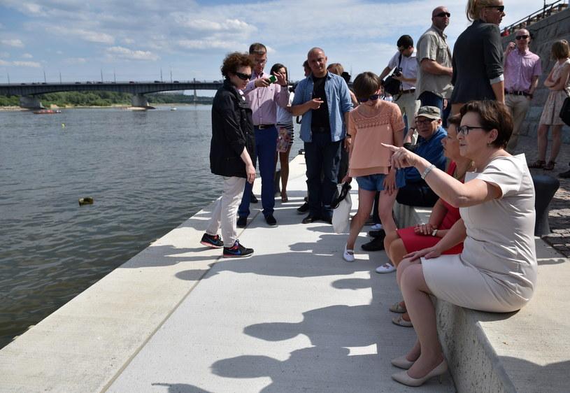Ewa Kopacz zwiedziła bulwar /Jacek Turczyk /PAP/EPA