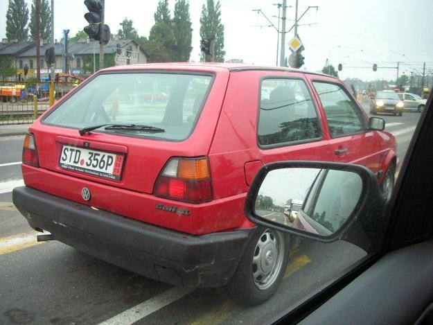 """Ewa sprowadziła golfa z Niemiec. Jest zadowolona ze swojego nowego auta. Czy to także """"złom""""? /INTERIA.PL"""