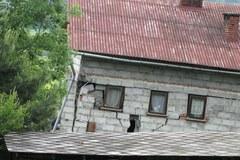 Ewakuacja mieszkańców w Kłodnem z powodu osuwiska