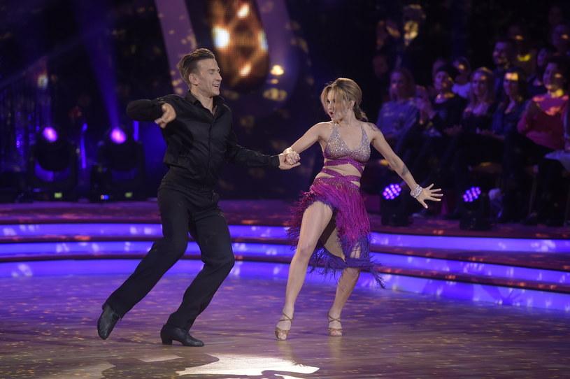 Ewelina Lisowska i Tomasz Barański byli w tym tańcu najlepsi /AKPA