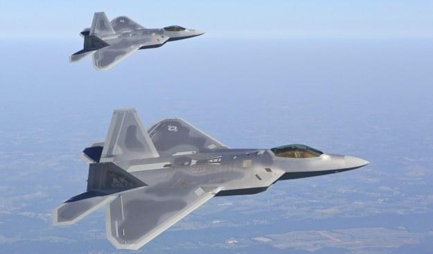 F-22 Raptor jest pierwszym myśliwcem piątej generacji, który rozpoczą służbę.   Fot. Lockheed Martin /materiały prasowe