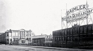 Fabryka Daimlera w Untertuerkheim, dziś to dzielnica Stuttgartu. /Mercedes