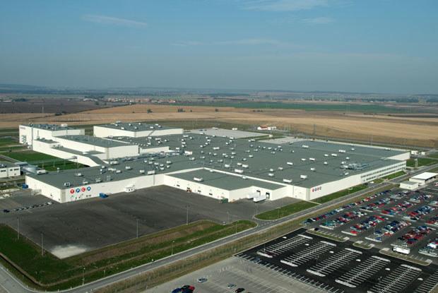 Fabryka w Kolinie / kliknij /INTERIA.PL