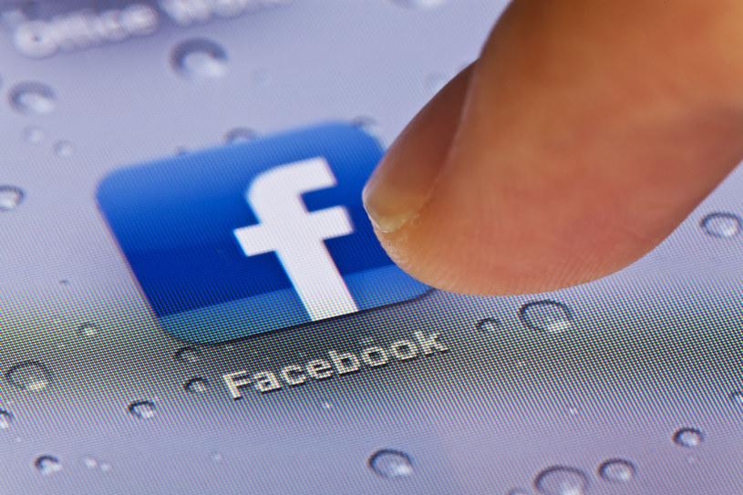 Facebook po raz pierwszy uruchomił Safety Check w USA /©123RF/PICSEL