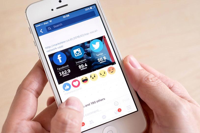 Facebook systematycznie odbiera użytkowników Snapchatowi /©123RF/PICSEL