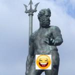 Facebook zbanował Neptuna. Wszystko przez jego interes!
