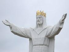 """""""Fakt"""": """"Wolna głowa"""" Jezusa ze Świebodzina"""