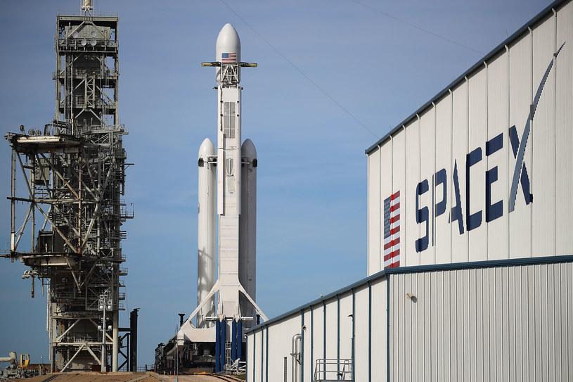 Falcon Heavy na stanowisku startowym /Getty Images