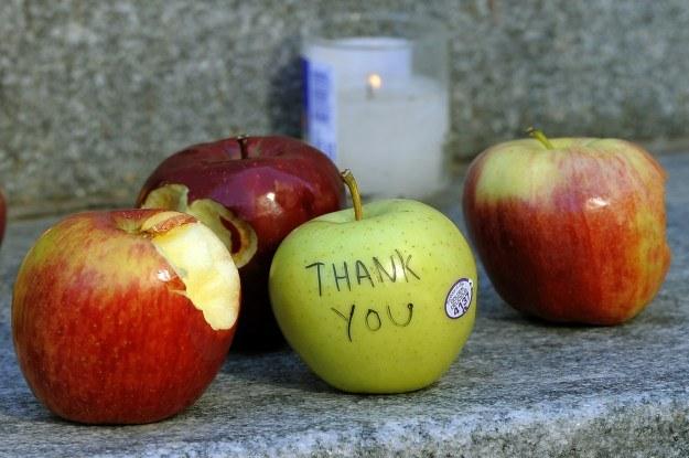 Fani Apple nigdy nie zapomną o Steve Jobsie /AFP