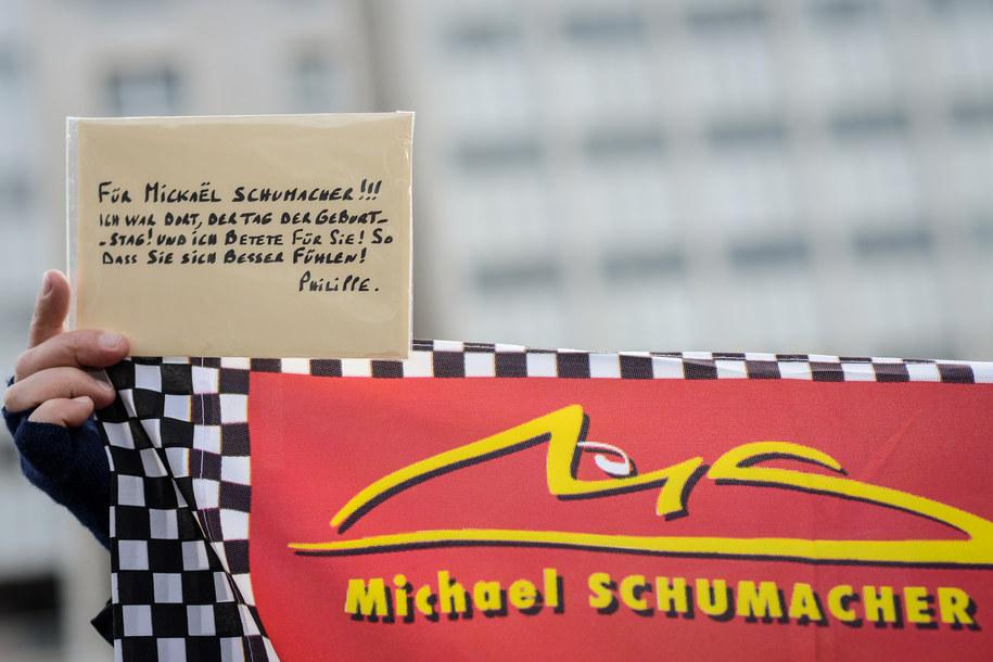 Fani wspierają Michaela Schumachera /DAVID EBENER /PAP/EPA