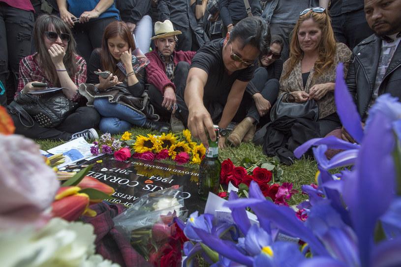 Fani żegnają Chrisa Cornella /David McNew /Getty Images