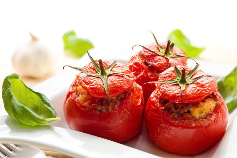 Faszerowane pomidory /123RF/PICSEL